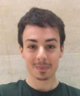 Portrait de Louis, étudiant en Montage et gérant d'un blog