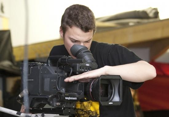 Que vous choisissiez de suivre un BTS Audiovisuel ou un Bachelor Réalisateur Audiovisuel, la pratique est au cœur de la pédagogie !